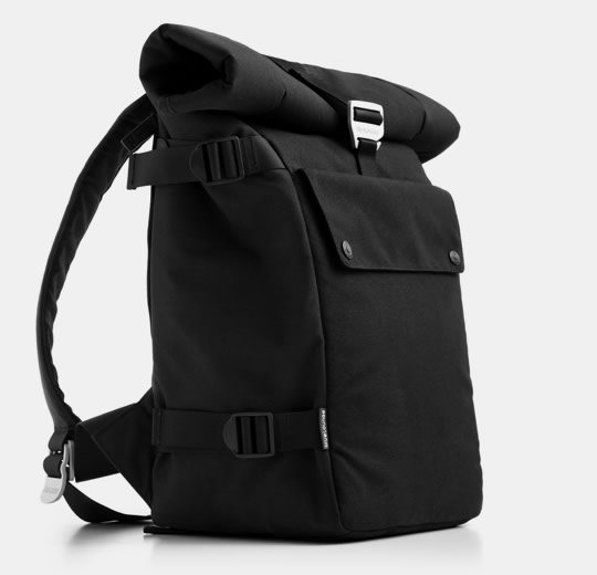 The Messenger Bag strikes the perfect balance between comfort and function, with a cross body shoulder strap to keep you moving in style/5(3).